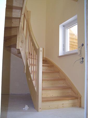 Halbgewendelte Treppen treppen stufenbelegung zimmerei treppenbau jenn